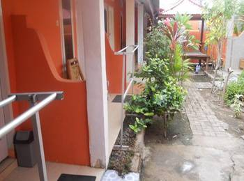 Andi Homestay Lombok - Deluxe Deluxe Room With AC Regular Plan