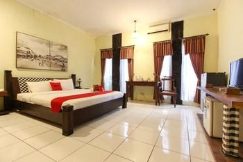 RedDoorz Plus @ Palagan Yogyakarta - RedDoorz Family Room with Breakfast Regular Plan