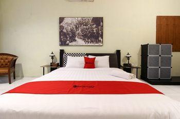 RedDoorz Plus @ Palagan Yogyakarta - RedDoorz Room with Breakfast Regular Plan