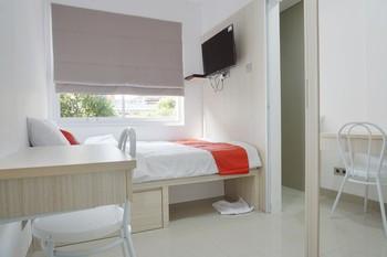 Residences by RedDoorz near Trisakti University Jakarta - RedDoorz Room Special Offer 25%