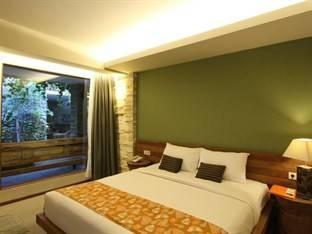 Rumah Batu Boutique Hotel Solo - Bali Green Deluxe Regular Plan
