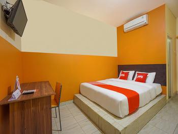 OYO 2639 Oxy Townhouse Manado - Standard Double Room Regular Plan