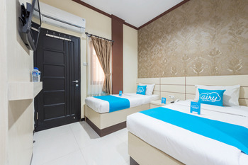 Airy Syariah Klojen Pasar Besar Square 124 Malang - Standard Twin Room with Breakfast Special Promo Nov 45