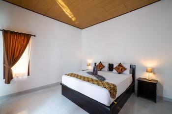 Anugrah Sari Homestay Bali - King Bedroom with Balcony Last Minute - 40%