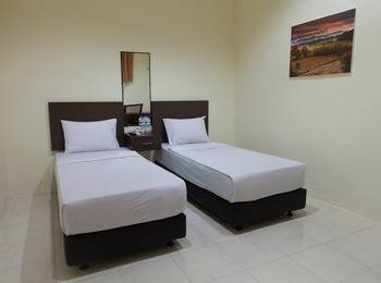 Hotel Mahkota Banyuwangi - Moderate Room Regular Plan