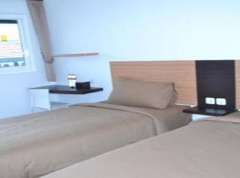 RAJAWALI Inn Palu - Junior Suite Twin Bed Room Regular Plan