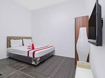 RedDoorz @Radio Dalam Jakarta - Reddoorz Room Basic Deal