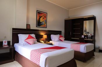 OYO 560 Maktal Hotel Lombok - Deluxe Twin Regular Plan