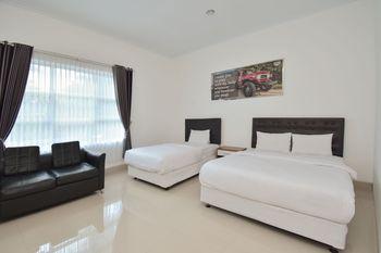 Wisma Jip by Stayku Yogyakarta - Deluxe Triple Room Regular Plan