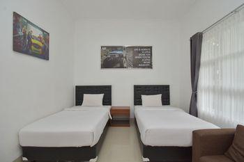 Wisma Jip by Stayku Yogyakarta - Deluxe Twin Room Regular Plan