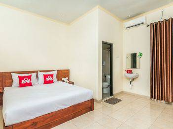 ZenRooms Denpasar ByPass Suwung Bali - Double Room With Breakfast Regular Plan