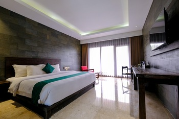 The Westlake Resort Yogyakarta - Deluxe King Room Only Regular Plan