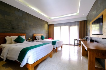 The Westlake Resort Yogyakarta - Deluxe Twin Room Only Regular Plan