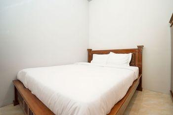 Griya Nina Syariah by eCommerceLoka Surabaya - Standard Room Only Gajian