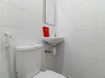 RedDoorz @ Nagoya Indah Batam - RedDoorz Room Regular Plan