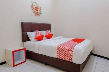 OYO 1288 Kepayon Family Residence Malang - Standard Double Room Regular Plan