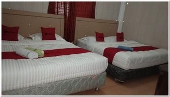 RedDoorz @ Parapat Danau Toba - RedDoorz Family Room Basic Deal