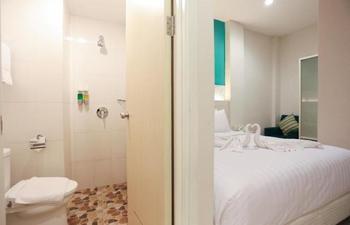 Makassar Beach Inn Makassar - Deluxe Room with Breakfast Min Stay