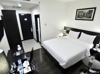 Continent Centrepoint Panakkukang - Superior Double - Room Only Regular Plan