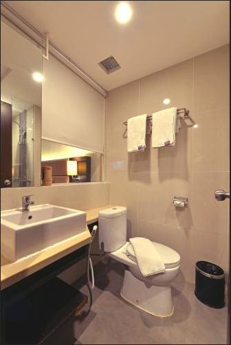 FOX HARRIS City Center Bandung Bandung - Deluxe Room Only Regular Plan