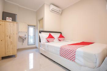 OYO 387 Alfa Guest House Tangerang -  Standard Double Room Regular Plan