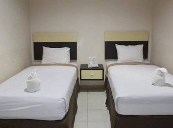 Grand Kartika Hotel Pare-Pare Pare-Pare - Deluxe Family Twin Special Deal