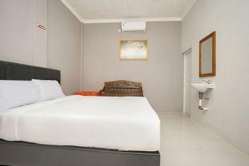 Teratai Homestay Probolinggo - Deluxe Double Room Only Regular Plan