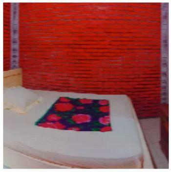 Villa Raisa Mojokerto - Raisa 3 3 Bedroom Room Only NR Stay More Pay Less