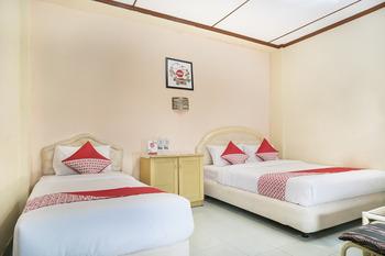 OYO 585 Hotel Perwita Sari Near RSUD Kota Yogyakarta Yogyakarta -  Suite Triple  Regular Plan