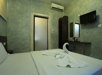RedDoorz @ Buni Sari Kuta Bali - Reddoorz Room Regular Plan