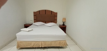 Hotel Cenderawasih Abadi Jayapura - Deluxe Room Regular Plan