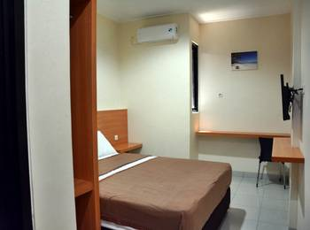 La Riss Guesthouse Makassar - Superior Room Regular Plan