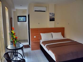 La Riss Guesthouse Makassar - Deluxe Room Regular Plan