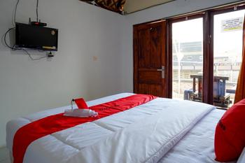 RedDoorz @ Kampoeng Etnik Kebumen 2 Kebumen - RedDoorz Family Room Basic Deal