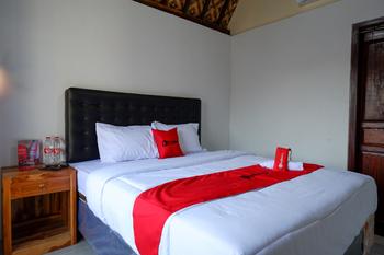 RedDoorz @ Kampoeng Etnik Kebumen 2 Kebumen - RedDoorz Room Basic Deal