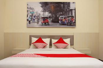 OYO 481 Pesona Jogja Homestay Yogyakarta - Deluxe Double Room Regular Plan