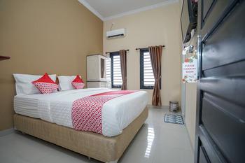 OYO 959 Graha HAM Family Palembang - Standard Double Room Regular Plan