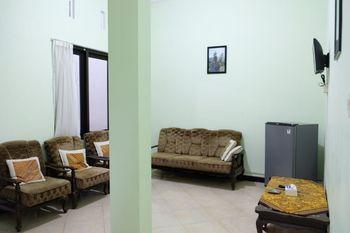Sekar Gambir Homestay Malang - 2BR Villa Room Only FC Stay More, Pay Less