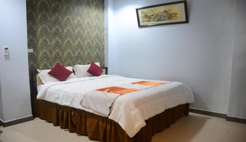 Hotel Hongkong Inn Singkawang - Deluxe Room Regular Plan