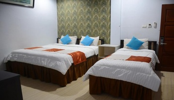 Hotel Hongkong Inn Singkawang - Family Room Regular Plan