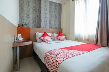 OYO 1560 Capital Hotel Makassar - Standard Double Room Regular Plan