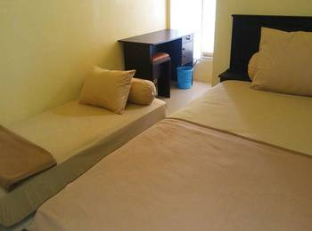 La Reso Homestay Makassar - Twin Bed Room Regular Plan