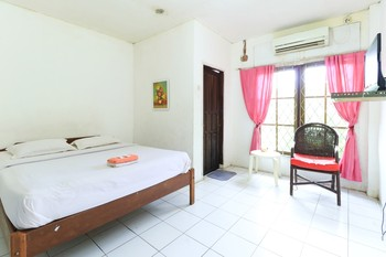 Hotel Sinderella Balikpapan - Standard Room  Special Deal