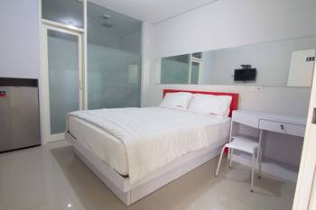 RedDoorz Plus @ Diponegoro Surabaya - RedDoorz Room Last Minute