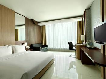 Hotel Santika Tasikmalaya - Deluxe Room King Staycation Offer Regular Plan