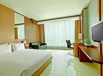 Hotel Santika Tasikmalaya - Deluxe Room King Offer 2020 Last Minute Deal
