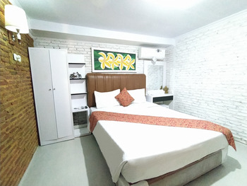 Etnik Bali Villa and Resto Kubu Selem Bandar Lampung - Gatotkaca Deluxe Room Breakfast Regular Plan