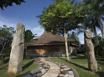 Melva Balemong Semarang - Royal Suite Regular Plan