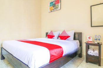 OYO 1193 Asri House Bali - Deluxe Double Room Regular Plan
