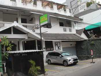 Hotel Karunia